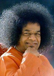 Sathya Sai Baba • Ama tutti, servi tutti. Aiuta sempre, non ferire mai.