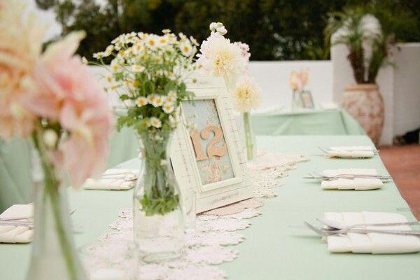 Hochzeitsdekoration in Mintgrün und Pfirsich Farben