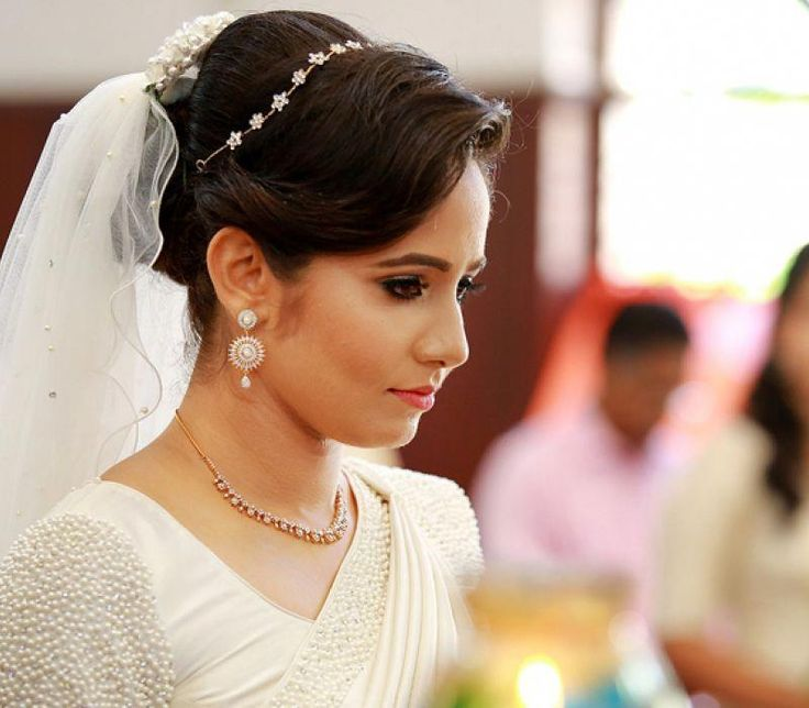 Bridaljewellerychristian Wedding Engagement Hairstyles 2019 Engagement Hairstyles Christian Bride Bridesmaid Saree