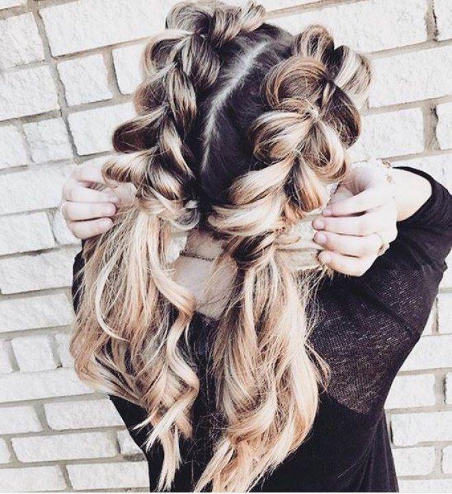 Traumhaftes Hairstyling Die Schonsten Frisuren Fur Lange Haare Langhaarfrisuren Hubsche Frisuren Geflochtene Frisuren