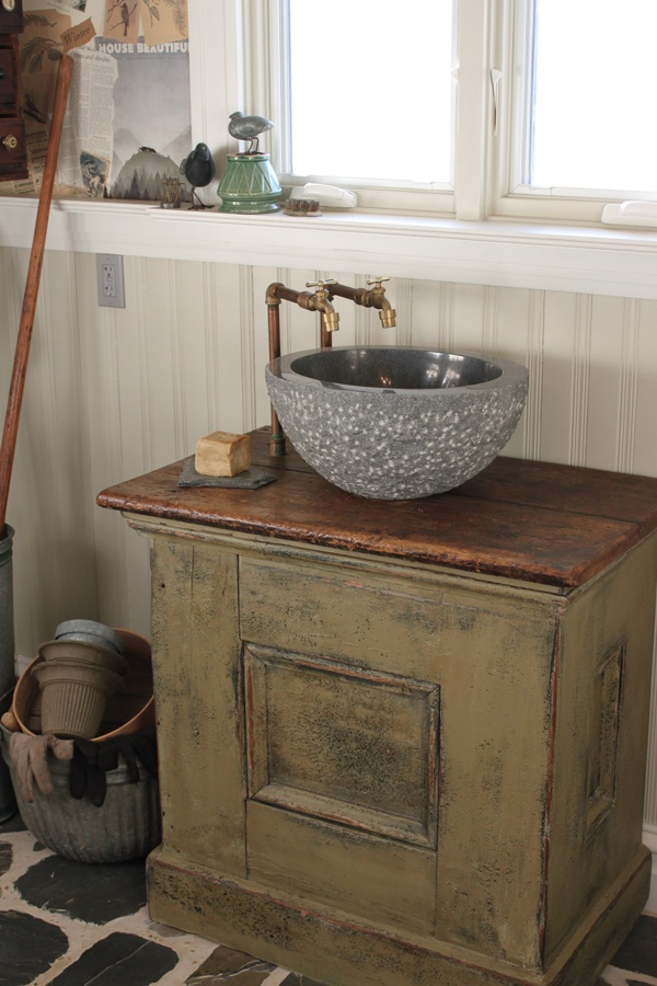 17 Best Images About Prim Amp Colonial Bathrooms On