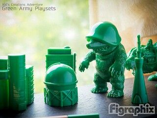 Green army variant Mogudon Pico Pico sofubi and playset by Max Toy.