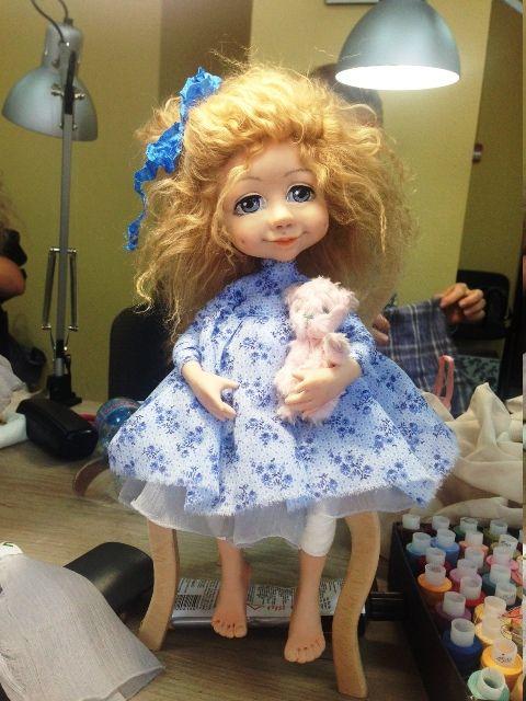 """Прочитайте статью """"Моя первая кукла Алиса"""" - http://arthandmade.net/masterarticlesitem?id=40 Посмотрите магазин Светланы Михайленко - http://arthandmade.net/mihailenko.svetlana"""