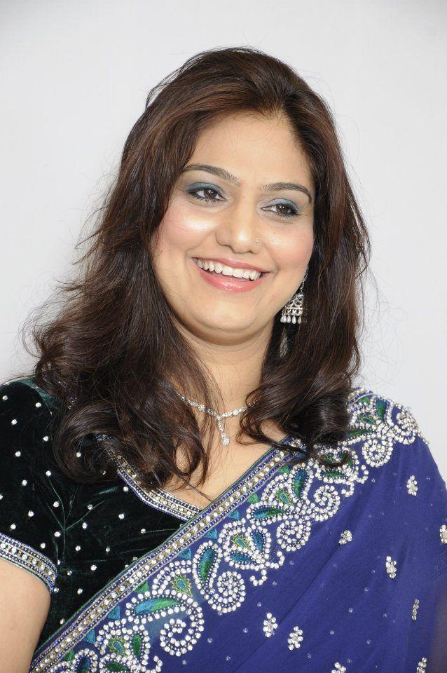 Rich Indian Aunties | Stuff to buy | Indian wife, Kerala
