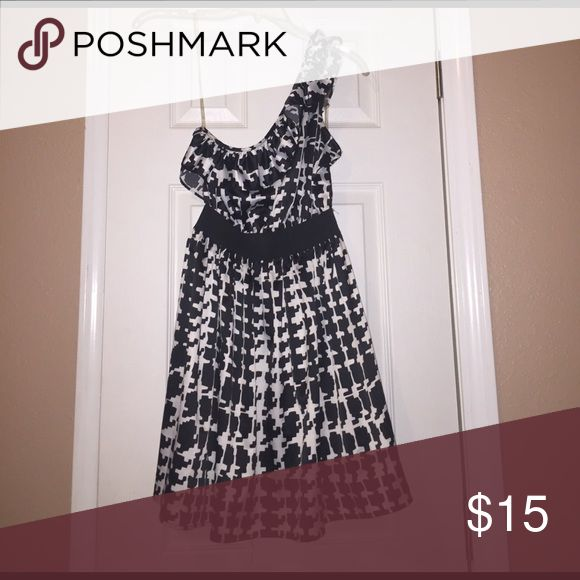 One strap dress This dress has only been worn once. It is still in great condition! It came be dressed up for a nice dinner or dressed down for casual wear. Super comfortable! Forever 21 Dresses One Shoulder
