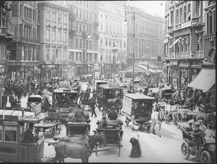 Immer wieder atemberaubend wie sehr sich das Stadtbild verändert im Laufe eines Jahrhunderts. Hier der Blick vom Stephansplatz Richtung Graben, um 1904