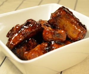 Slow Cooker Country-Style Ribs with Plum Sauce Recipe