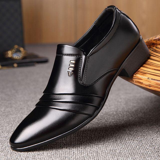 6 Sepatu Ini Sangat Cocok Dipakai Pria Untuk Ke Acara Pernikahan