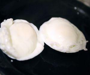 How to Use a Microwave Egg Poacher   eHow.com