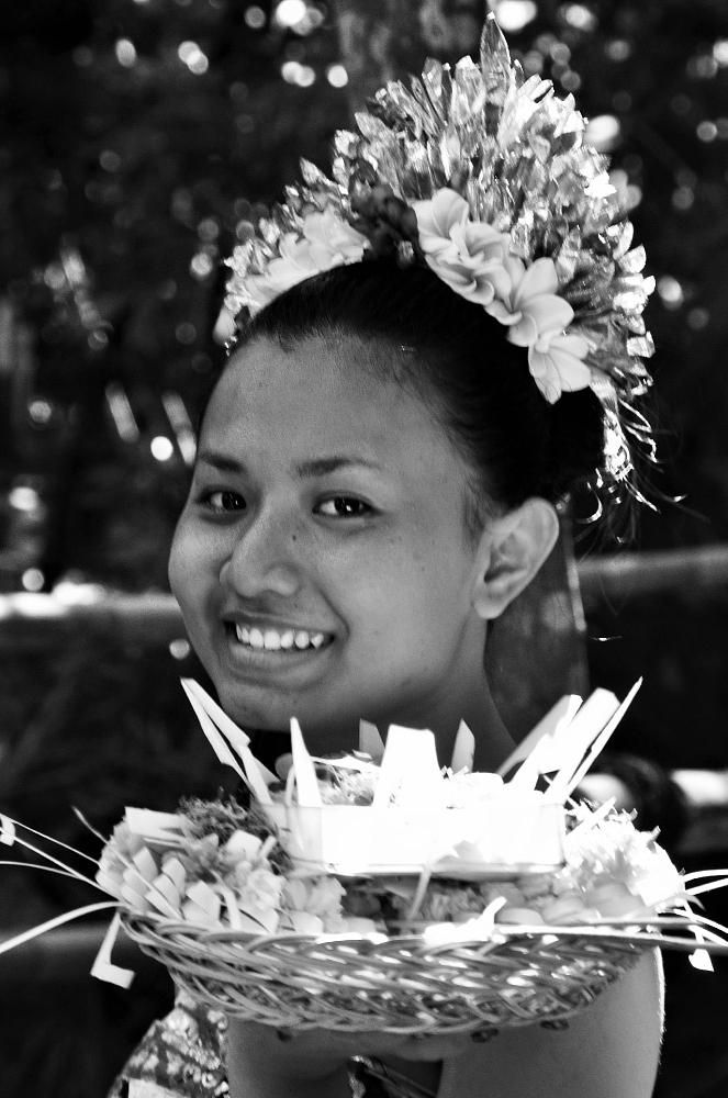 Gadis Bali yang Sederhana by arthamade