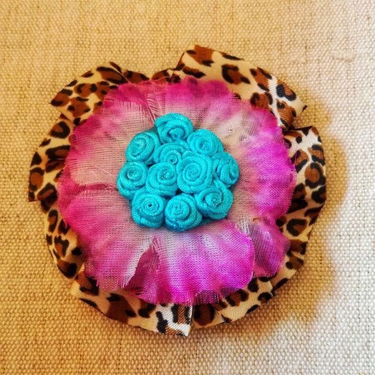#hairclip #hair #rockabilly #girl #50 #anni50 #hairpin #flower #handmade #fattoamano #goth #fridakahlo #animalier #ribbon #rose #fiori #hawaii #aloha #capelli #fermaglio #spilla #brooch #broche #satin #cotone