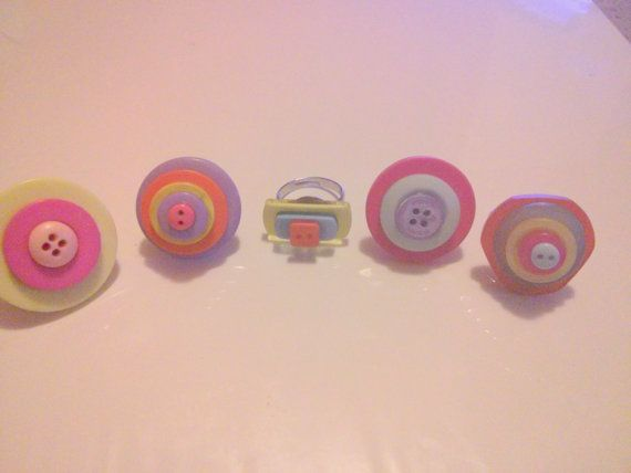 Colourful button rings