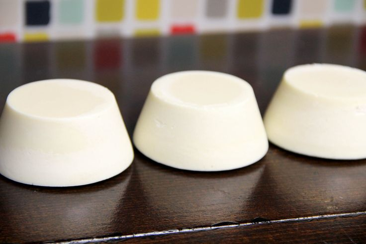 How to Make Baby Soap: Buttermilk Bastille Baby Bar (Buttermilk Powder + Zinc Oxide)