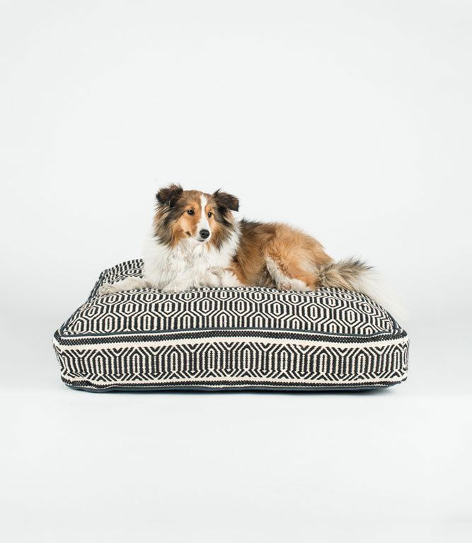 Black and White Geometric Square Dog Bed - Fillydog