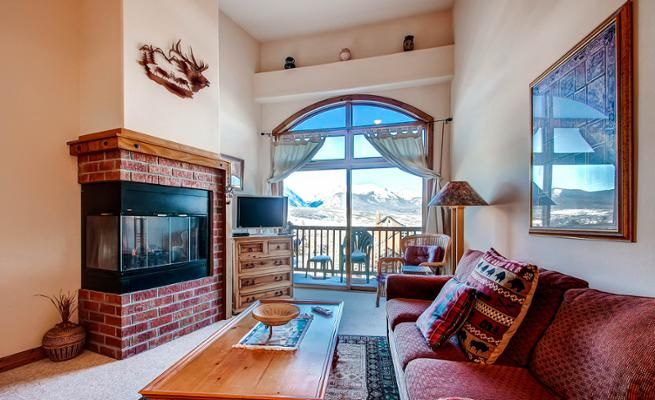1-Bedroom Condo with Mountain View & Fireplace -VaycayHero