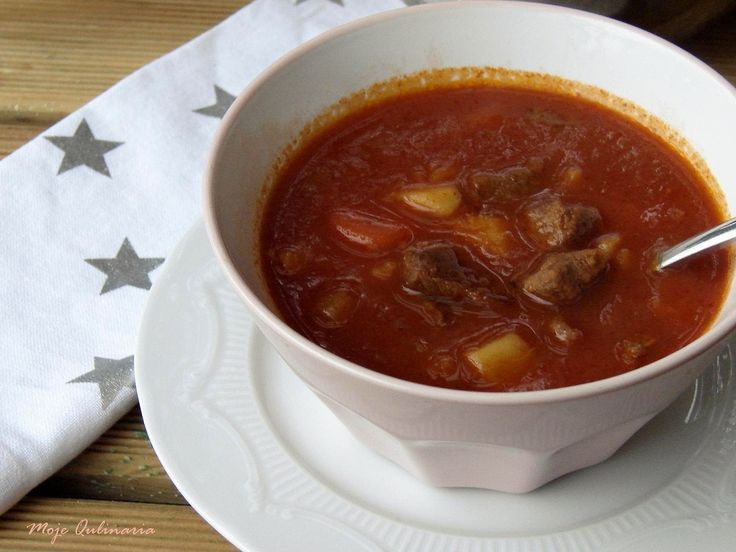 Moje Qulinaria: Węgierska zupa gulaszowa
