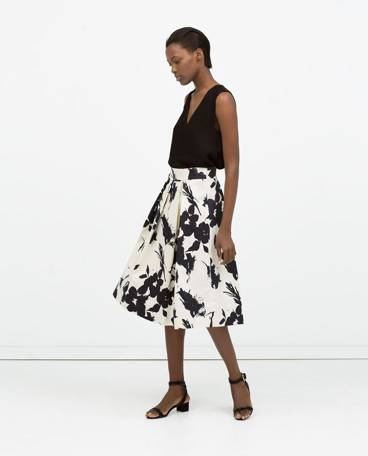Image 1 of FLORAL PRINT PLEATED SKIRT from Zara. Great spring style. #21 Steps Style Course
