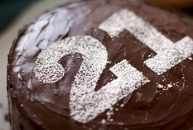 Or use a stencil to make a number using powdered sugar. | 28 Deceptively Easy Ways To Turn A Cake Into A Work Of Art