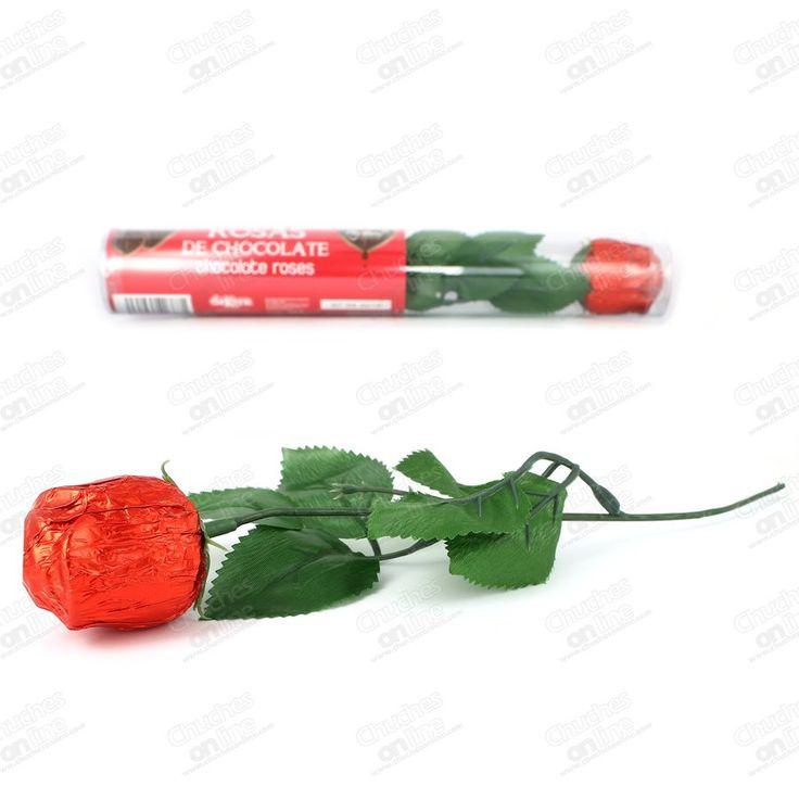 Rosa de chocolate. Chocolates y galletas. Figuras de chocolate.