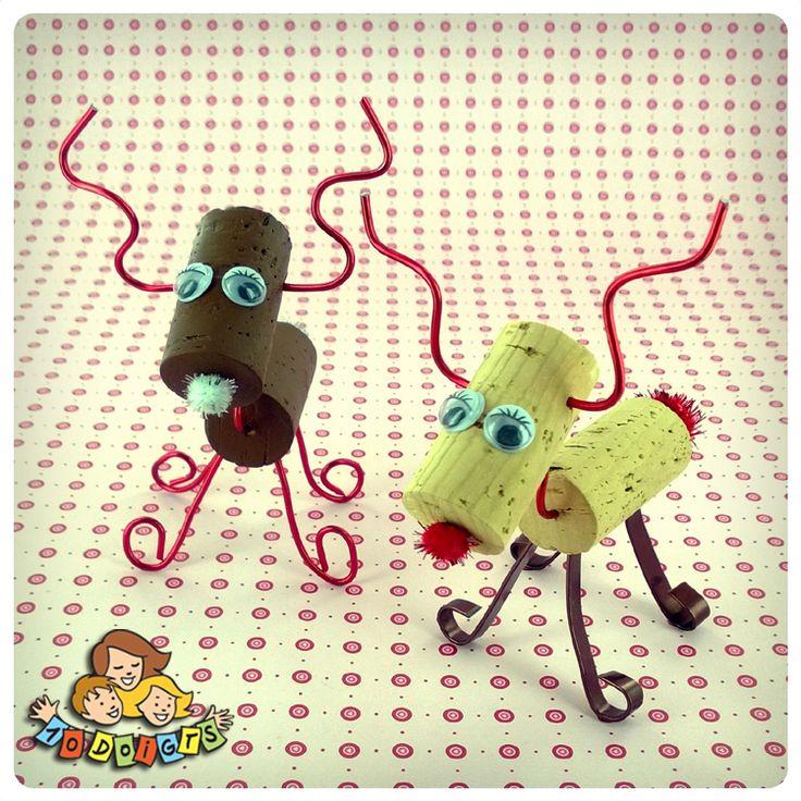 (FR) DIY - Réalisez de jolis petits rennes avec de simples bouchons en liège et du fil alu ! (EN) DIY - Wine cork reindeer : simple & cute !