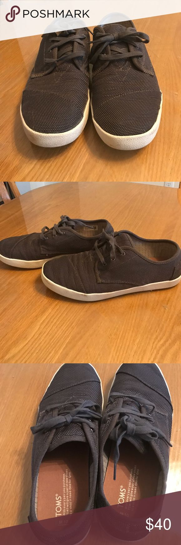 Men's TOMs sneakers Like new. Worn once or twice. Only has a minimal amount of scuffing on bottom but otherwise like new. TOMS Shoes Sneakers
