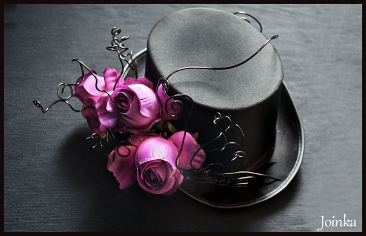 Top hat with roses.