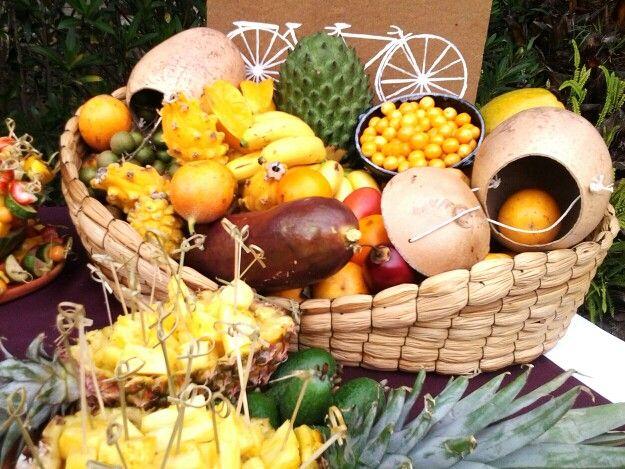 Idea canasta de frutas tropicales@ classiqueeventos #villadeleyva