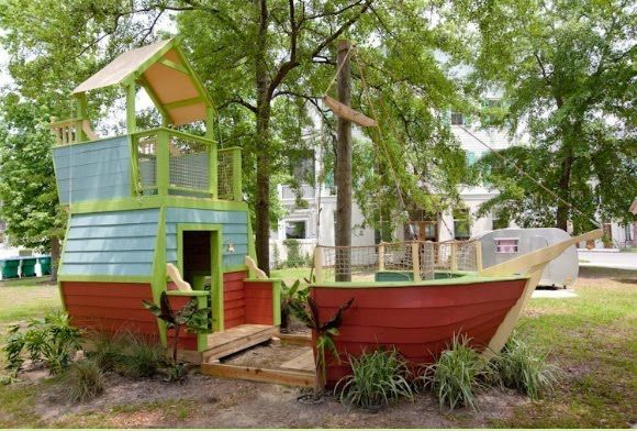 Love the idea of two separate play areas