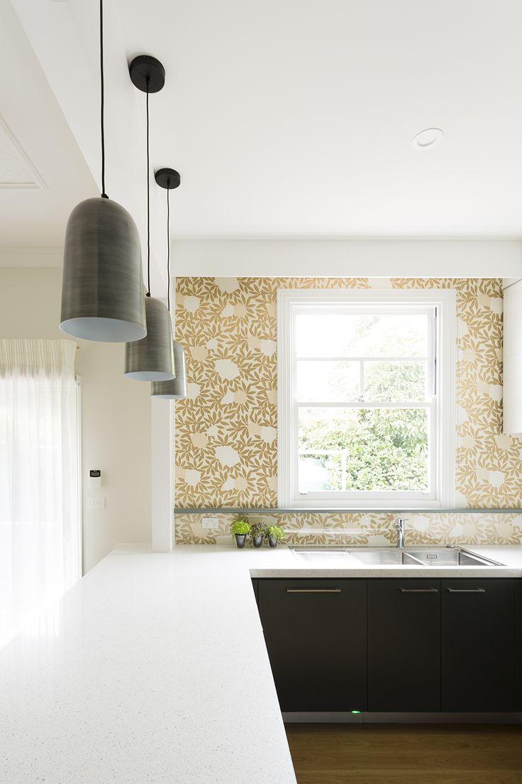 Kitchen with wallpaper. Design by Meredith Lee Interior Designer, photography by Elizabeth Schiavello.