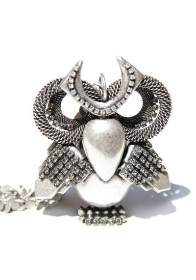 Antique silver Rhodium-plated brass necklace.An odd owl with an extravagant look. Totally handmade, in assembled brass and frosted glass stones.DIMENSIONs: Owl: 10x8 cm