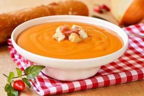 Вкусный суп сальморехо для профилактики рака толстой кишки