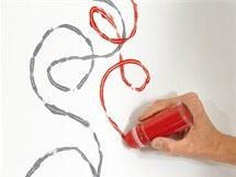 Kuličkou se dají po stěně malovat úplně volné motivy: Stěně Malovat, Úplně Volné, Malovat Úplně, Dají Po, Kuličkou Se, Volné Motivy, Se Dají, Po Stěně