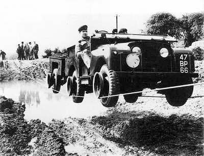 Land Rover Series 1 military wire crossing.