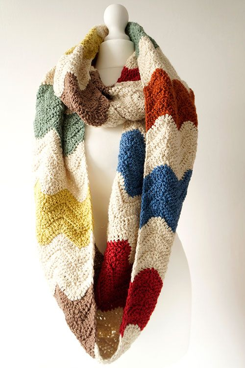 Comprar patrón de crochet bufanda infinito zigzag - AllCrochetPatterns.net