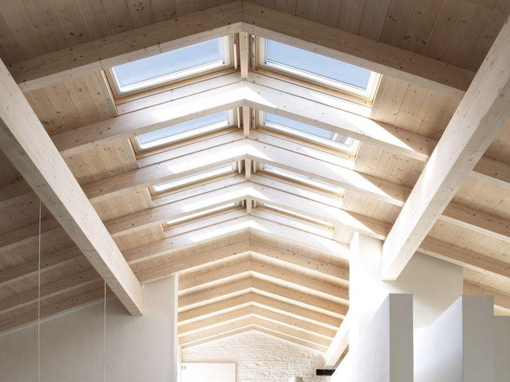 Best 25 roof window ideas on pinterest skylight bedroom for Velux assistenza