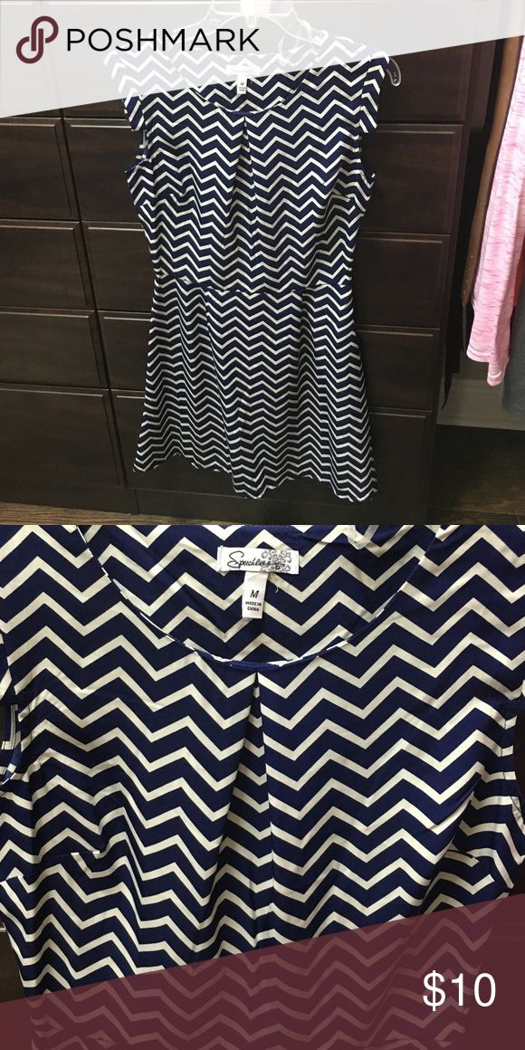 Navy and off white chevron print dress! Navy/off white chevron print dress. Looks cute with a small belt around the waist. Only worn once! Is a juniors medium. Speechless Dresses Mini