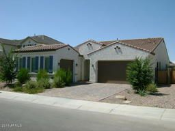 Chandler Homes For Sale. MLS Listings from all companies. SHOP NOW!!  $424,000, 3 Beds, 2 Baths, 2,482 Sqr Feet  Open House Sat.22nd 11:30-2pm Beautiful One level 3 car Ga. Each Garage is pre-wired for speakers. Pre-wired 5.0 Surround Sound in TeenRM & 7.0 surround sound in LR & MA bd. Pavers in driveway & backyard ext beyond patio. Patio set up for TV & Speakers. Ceiling fans throughout & Patio. MA sanctuary  http://mikebruen.sreagent.com/property/22-5474410-842-E-Horseshoe-Place-..