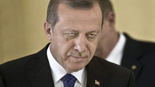 Follow Après le coup d'Etat raté du 15juillet, le président Recep Erdogan a mis en route la machine répressive et se débarrasse de la faction kémaliste, laïciste, au sein de l'armée: 103généraux et amiraux arrêtés selon l'agence de presseAnadolu, soit environ le tiers du haut commandement militaire. Parmi eux, les commandants de la deuxième et [...]