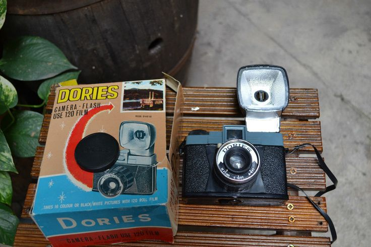DORIES CAMERA FLASH Use 120 Film Macchina fotografica Vintage Giocattolo d epoca