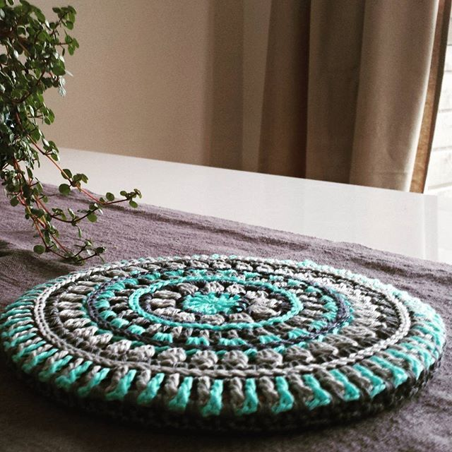 Mandala Style Trivet Cover - free crochet pattern in English and Swedish by Kajsa Hubinette / Stitches and Supper.