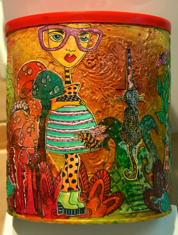 Lynne's Art World: A Girl And An Empty Coffeemate Tin