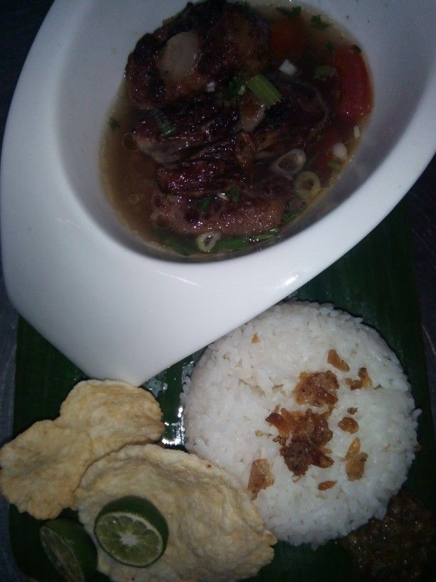 Oxtail soup with steam rice