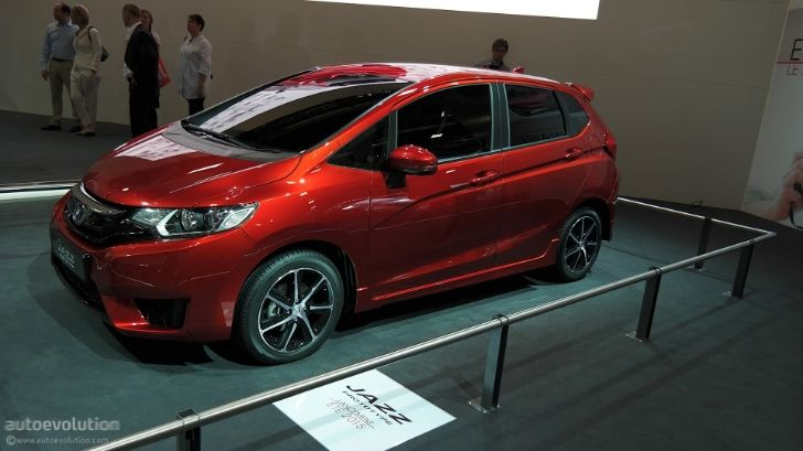 New Honda Jazz Debuts at Paris Motor Show 2014 [Live Photos] http://www.autoevolution.com/news/new-honda-jazz-debuts-at-paris-motor-show-2014-live-photos-87302.html