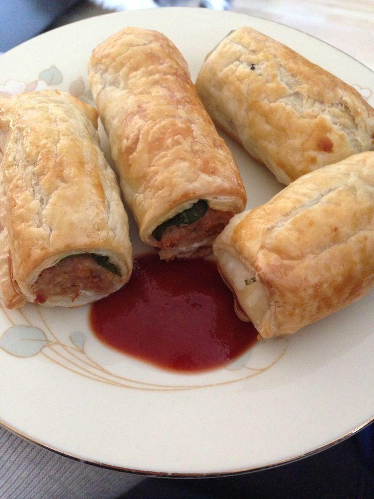 Chicken and spinach sausage rolls