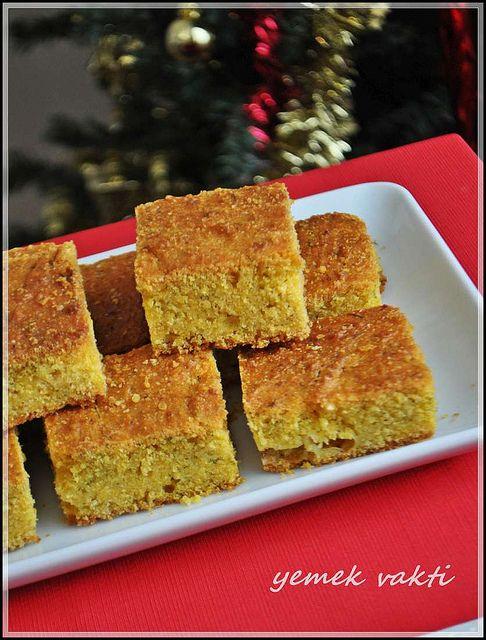 Dereotlu ve Peynirli Mısır Ekmeği