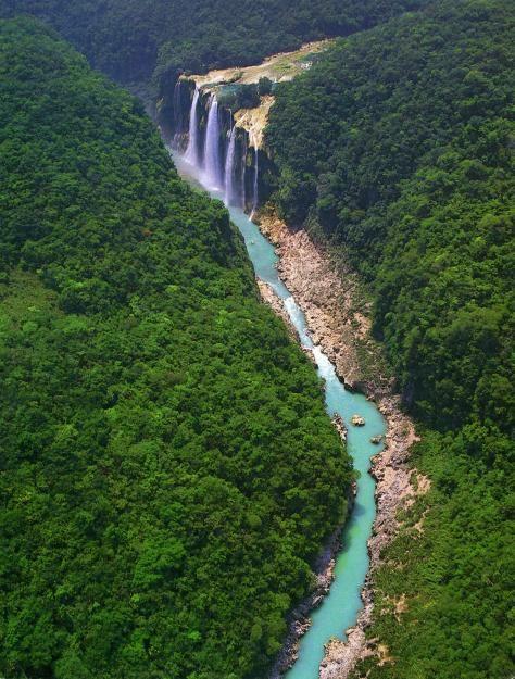 Cascadas de Tamul, una de las maravillas naturales más alucinantes que puedes conocer recorriendo San Luis Potosi.