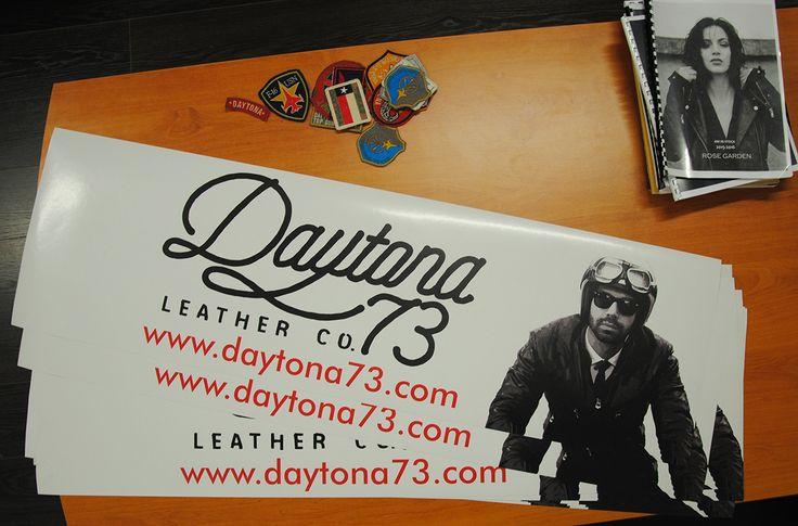 """Autocollant Daytona 73 dans le cadre du sponsoring avec l'équipage """"Les Fous Allier"""" pour la 20ème édition du 4L Trophy."""
