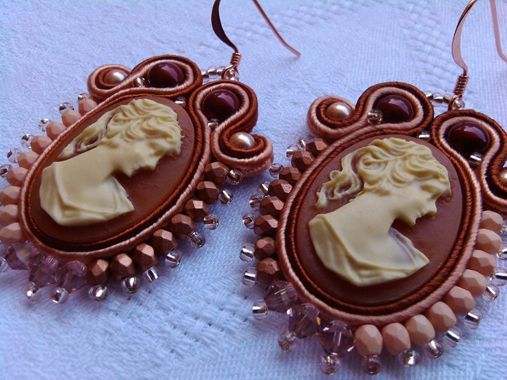 "EARRINGS ""VICTORIAN CAMEO"",cameo woman,stylish earring,Swarovski elements,retrò earrings,copper/bordeaux/rose,made in Italy,handmade jewelry di MuciddosBeads su Etsy"