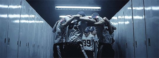 Love Me Right - EXO (2/3)