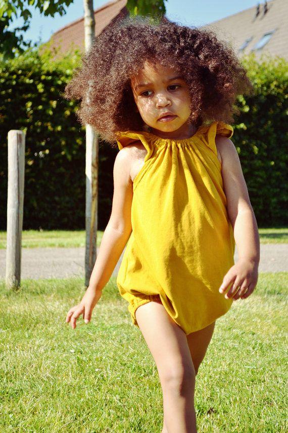 Baby Girl flattern Ärmel Strampler/Spielanzug/sunsuit von Sansahash